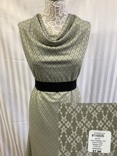 14806 Dainty Flower Sweater Knit Wintergreen